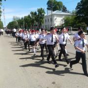 Шагала армия юных казачат
