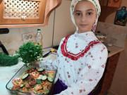 Юная казачка приготовила кубанские блюда